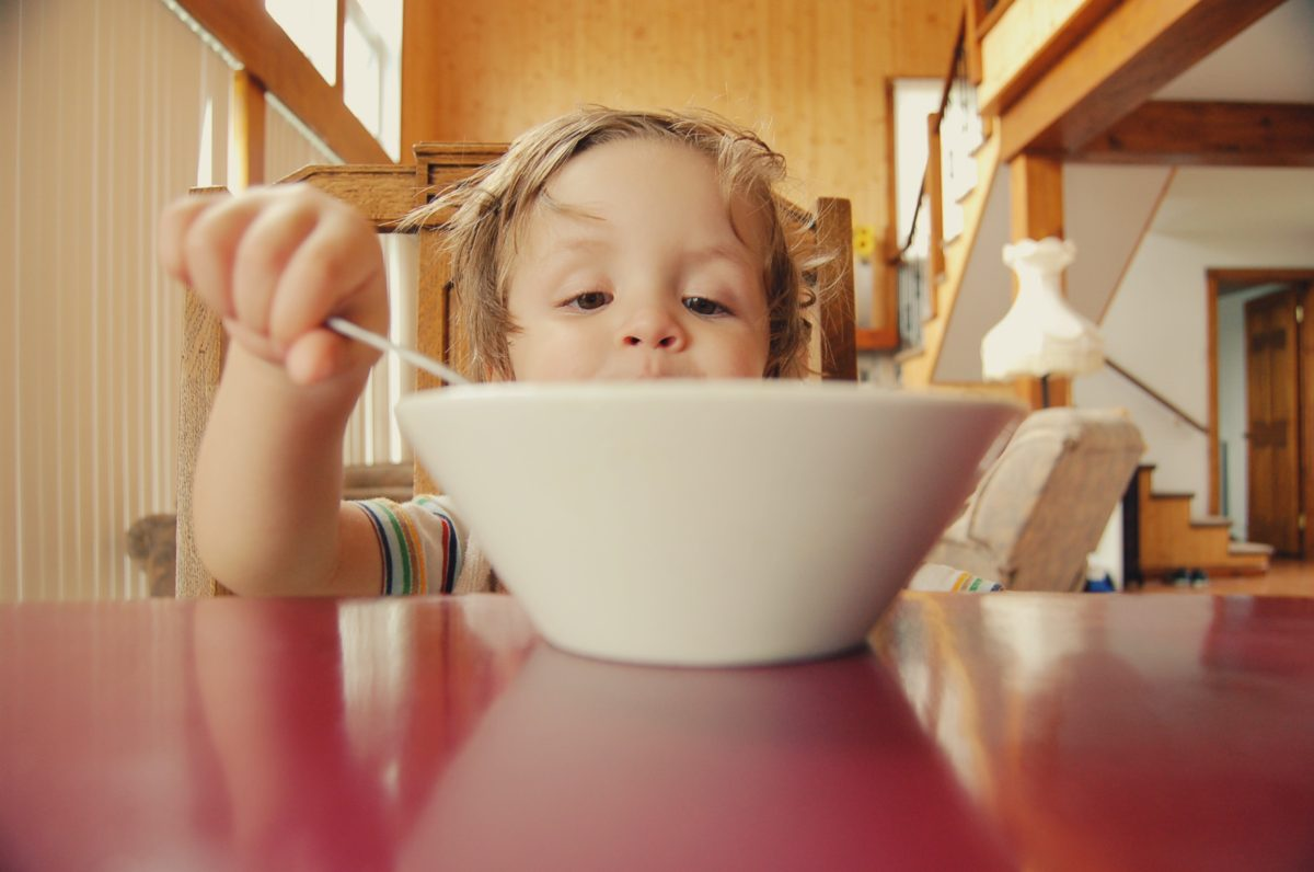 Free guide to help your picky eater to sit and eat